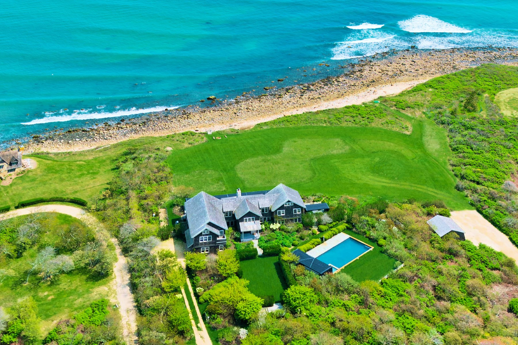 Villa per Vendita alle ore Caswell Point and Driftwood Cove 406 Old Montauk Highway Montauk, New York, 11954 Stati Uniti