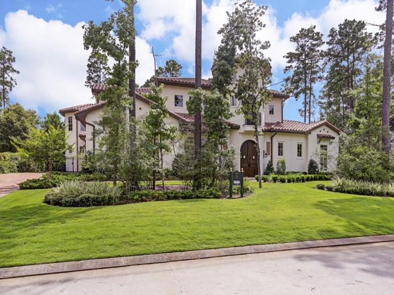 Casa Unifamiliar por un Venta en 66 S. Palmiera Circle The Woodlands, Texas 77382 Estados Unidos