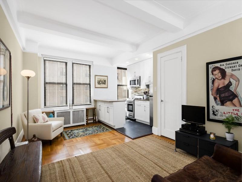 Кооперативная квартира для того Продажа на 315 West 86th Street, 11B 315 West 86th Street Apt 11b Upper West Side, New York, Нью-Йорк 10024 Соединенные Штаты