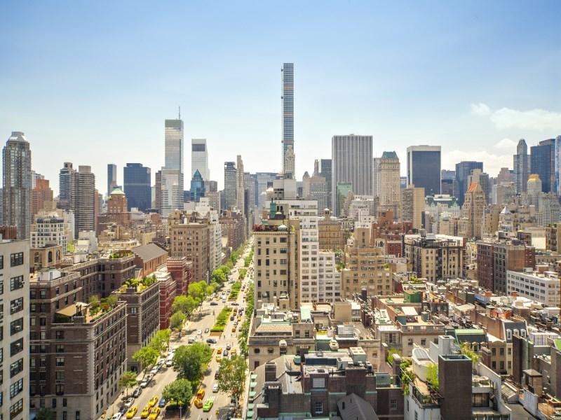 Copropriété pour l Vente à 700 Park Avenue 700 Park Avenue Apt 16b Upper East Side, New York, New York 10021 États-Unis