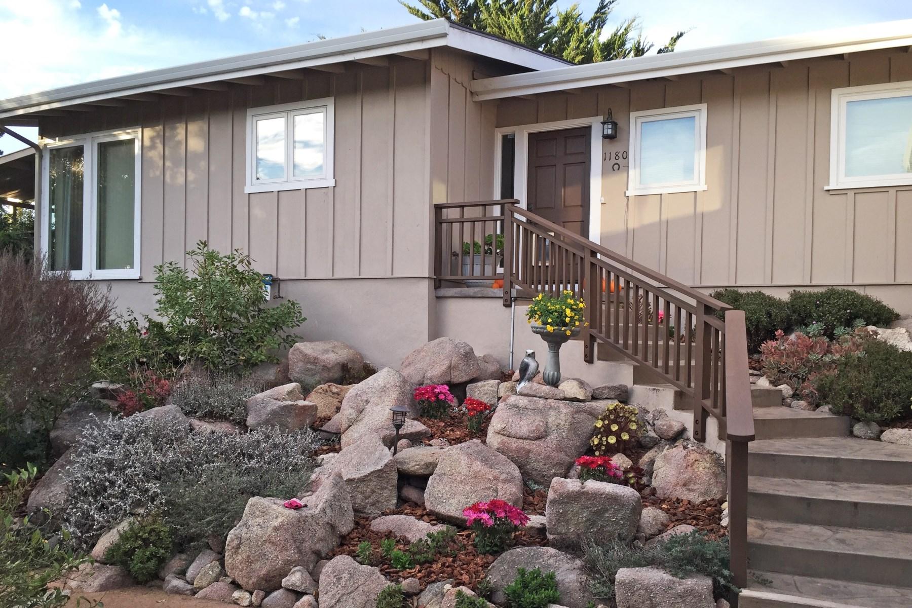 Tek Ailelik Ev için Satış at Dreamy Cottage in Pacific Grove 1180 Jewell Avenue Pacific Grove, Kaliforniya 93950 Amerika Birleşik Devletleri