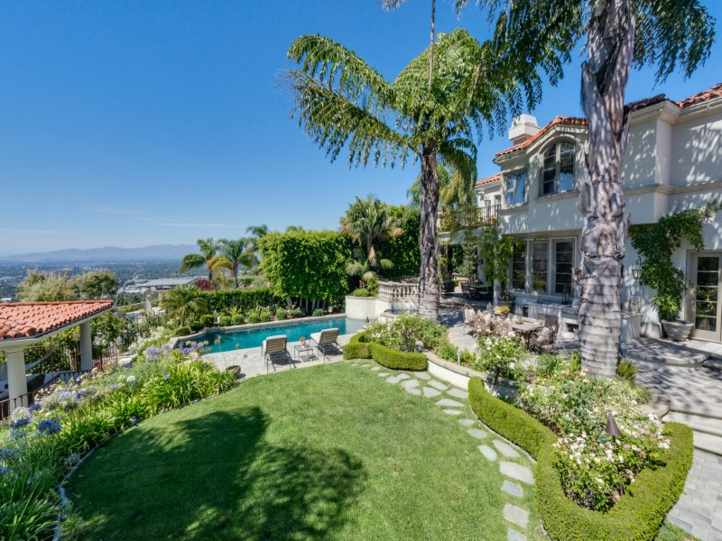 Single Family Home for Sale at Exclusive Location in Mulholland Estates 3331 Clerendon Road Beverly Hills, California 90210 United States