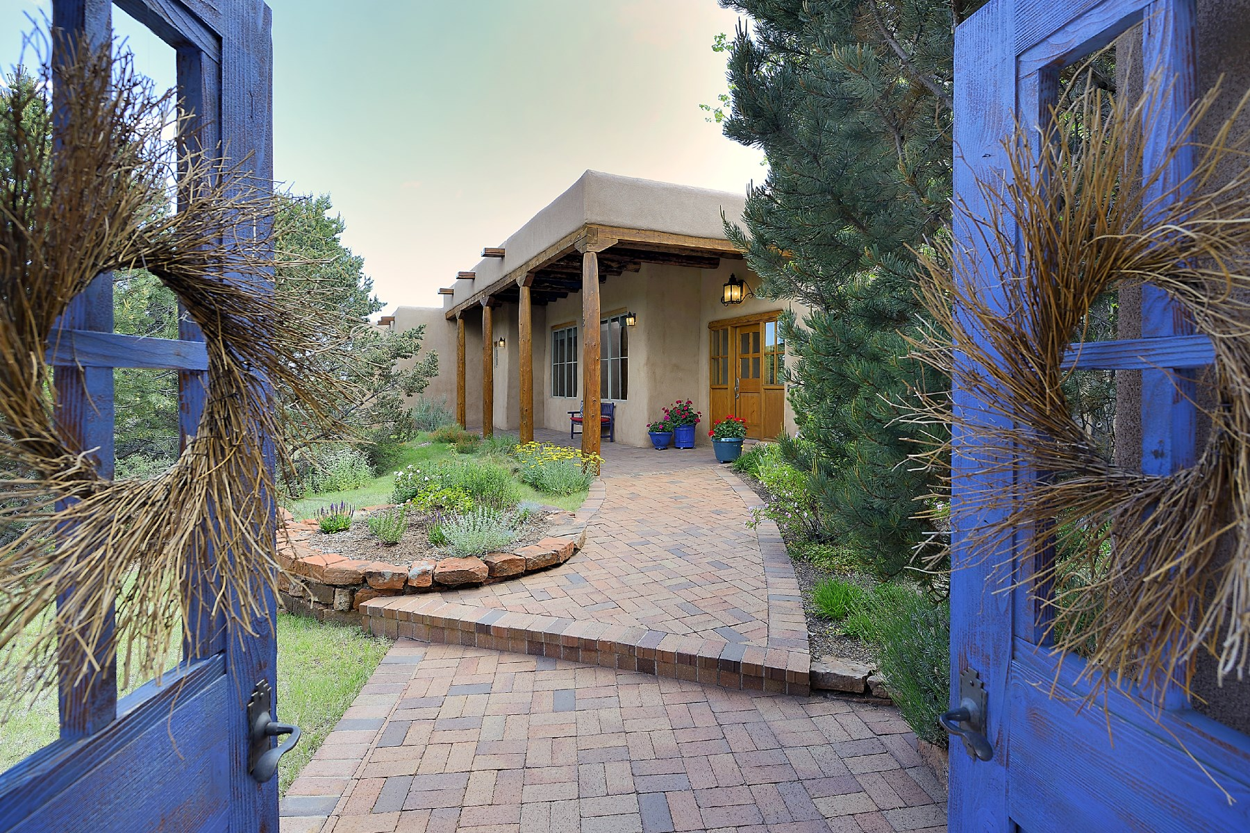 Single Family Home for Sale at 118 Barranca Drive Santa Fe, New Mexico, 87501 United States