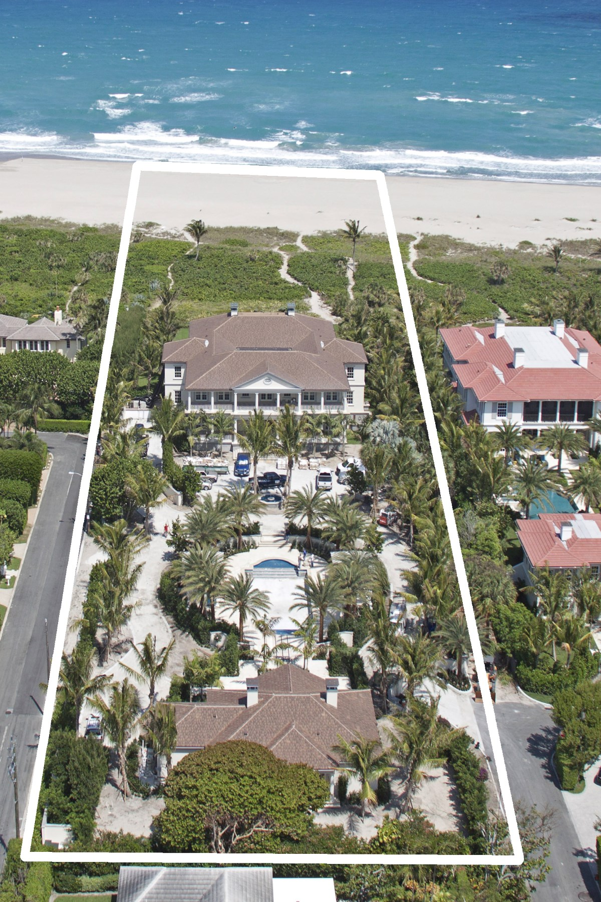 Villa per Vendita alle ore Elegant Oceanfront Estate North End, Palm Beach, Florida, 33480 Stati Uniti