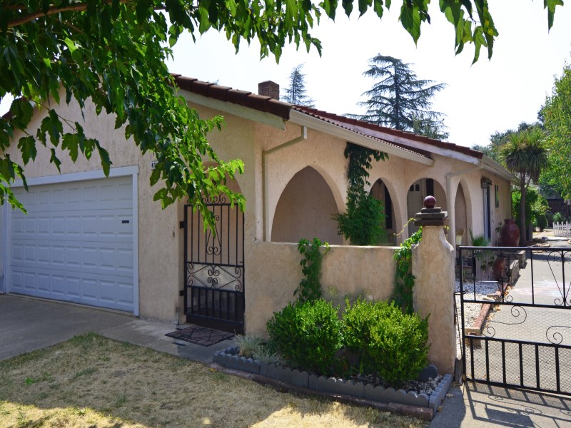 Single Family Home for Sale at 470 Jacey Street Sonoma, California 95476 United States