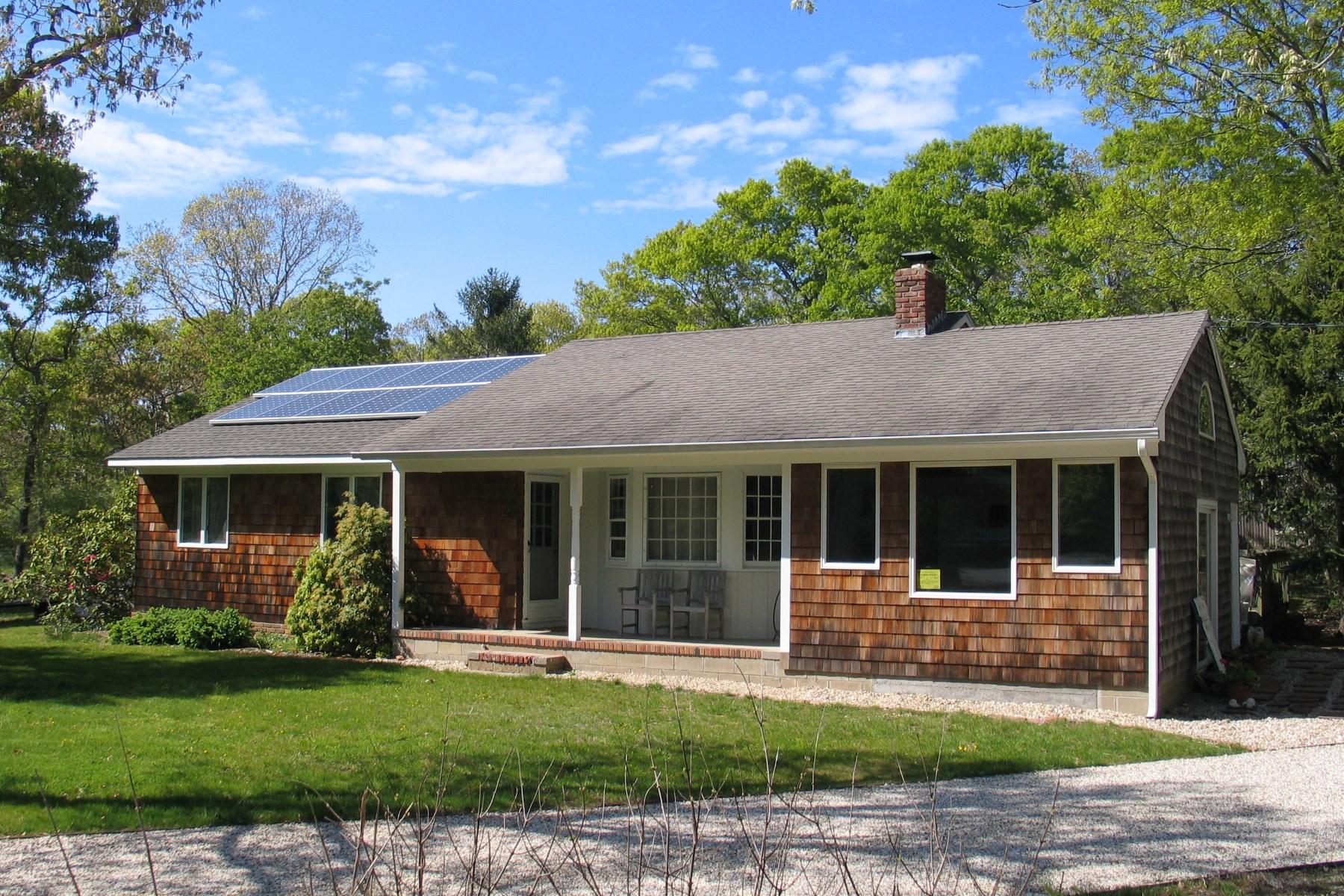 단독 가정 주택 용 매매 에 Folkstone Marina Traditional 2 Folkstone Road East Hampton, 뉴욕, 11937 미국