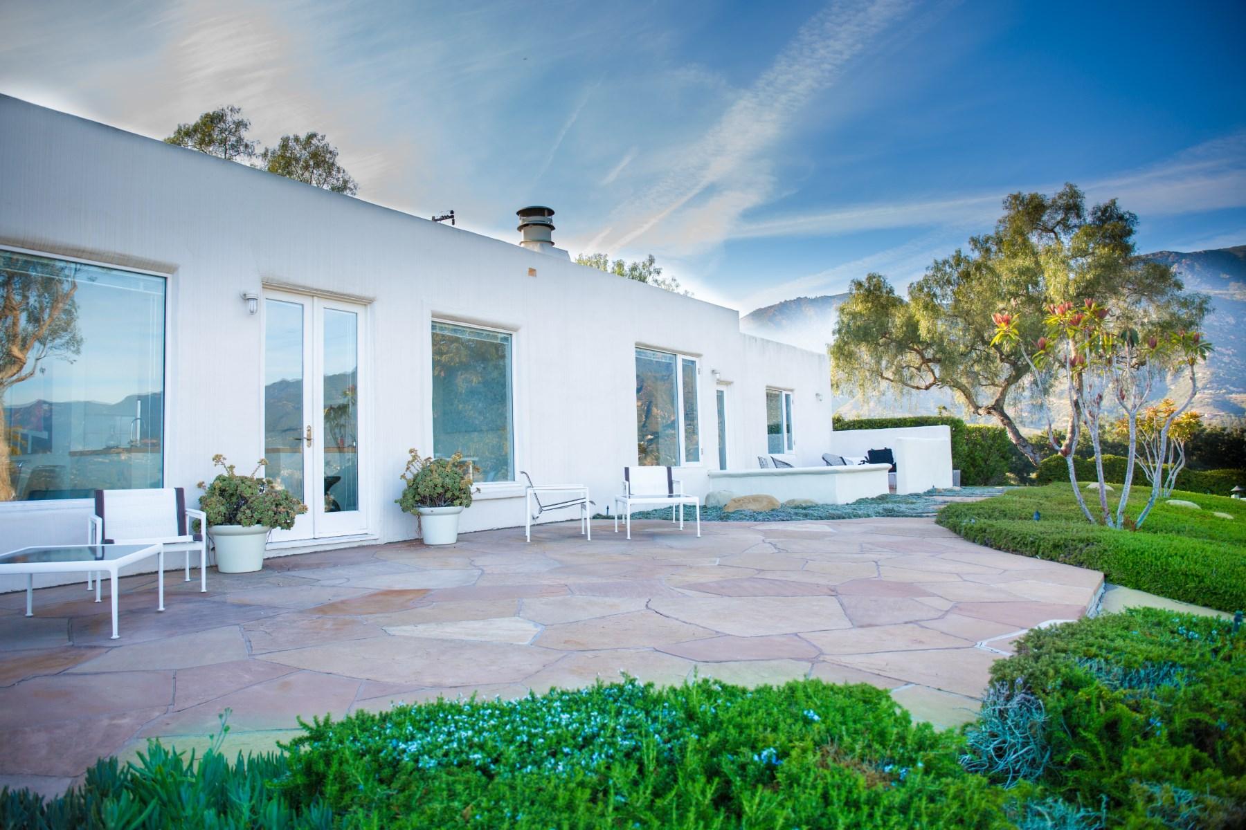 独户住宅 为 销售 在 Tranquil Home Setting With Amazing Views 140 Camino Alto Riviera, 圣巴巴拉市, 加利福尼亚州, 93103 美国