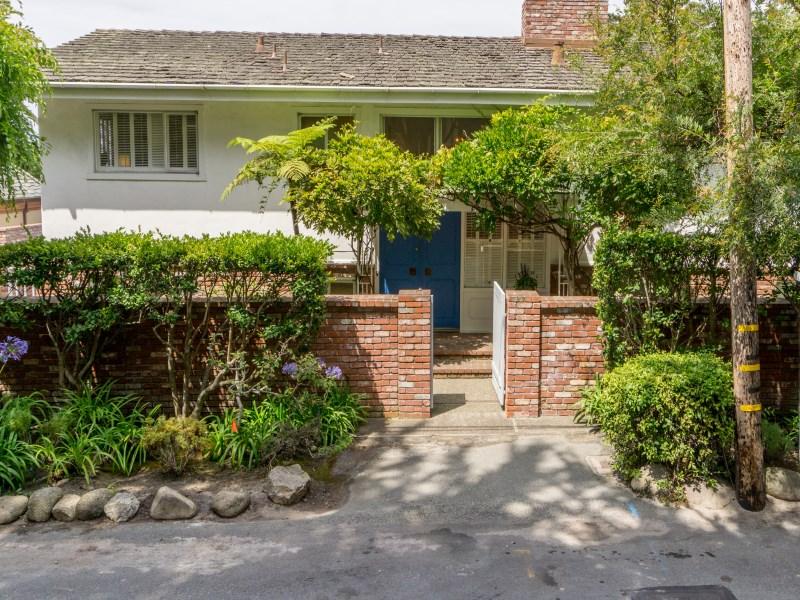 其他住宅 為 出售 在 Classic Mid Century on Scenic 0 Scenic & Ocean Sw Corner Carmel By The Sea, 加利福尼亞州 93921 美國