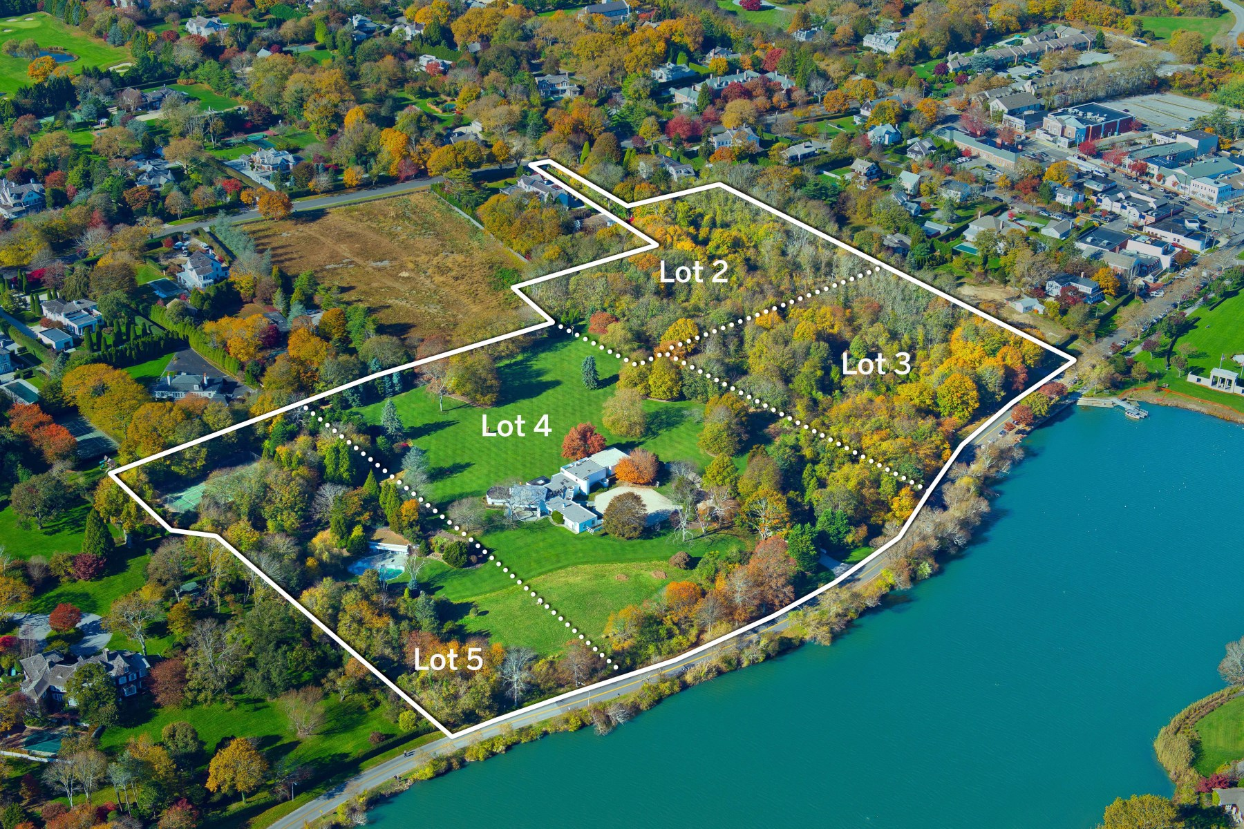 Частный односемейный дом для того Продажа на Overlooking Lake Agawam 111, 137, 153 Pond Lane & 52 First Neck Lane 4 properties combined Southampton Estate Section, Southampton, Нью-Йорк, 11968 Соединенные Штаты