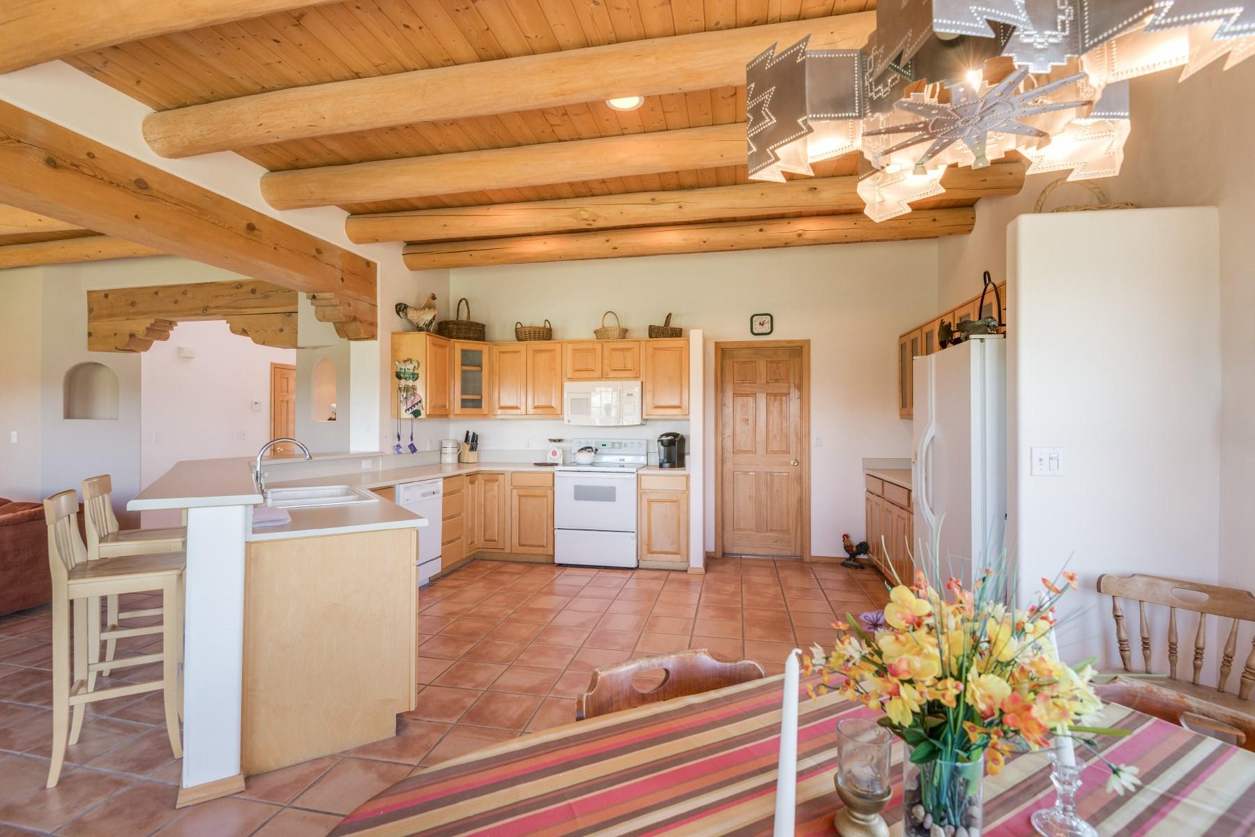 独户住宅 为 销售 在 34973 Highway 285 Ojo Caliente Serenity 卡林特, 新墨西哥州, 87549 美国