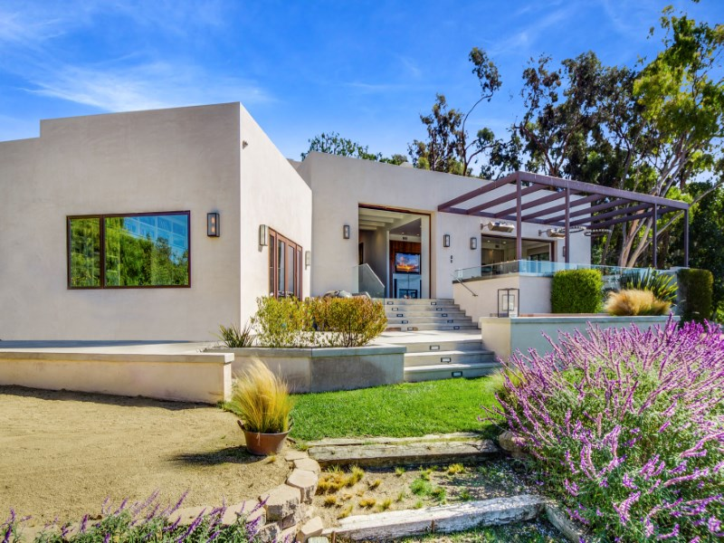 Maison unifamiliale pour l Vente à Modern Architectural Home 6315 Gayton Place Malibu, Californie 90265 États-Unis
