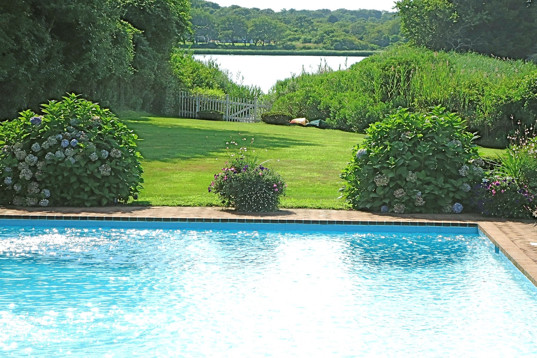Property Of Waterfront Location - Estate Section