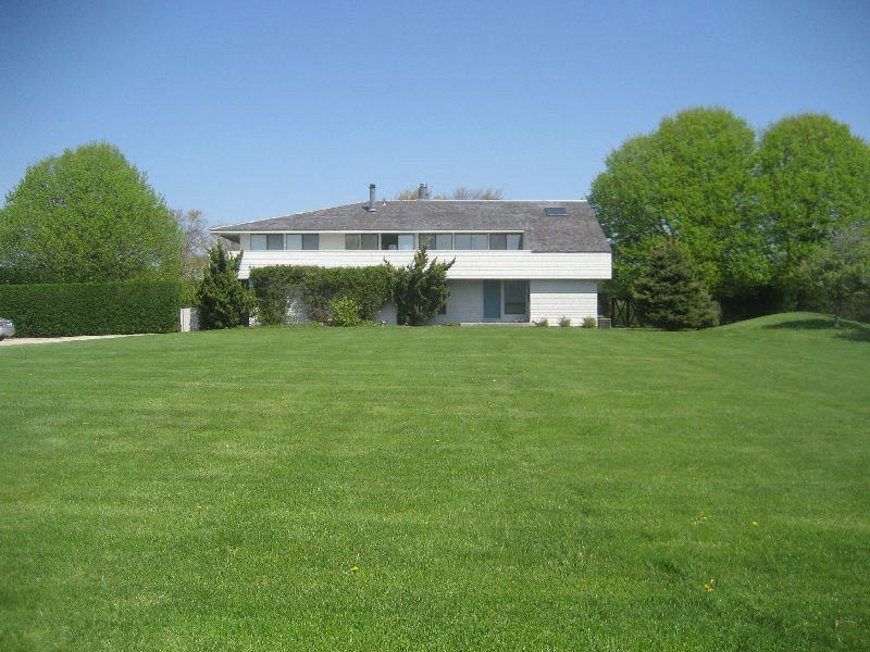 Single Family Home for Rent at BRIDGEHAMPTON/PRIVATE BEACH ACCESS Bridgehampton, New York 11932 United States