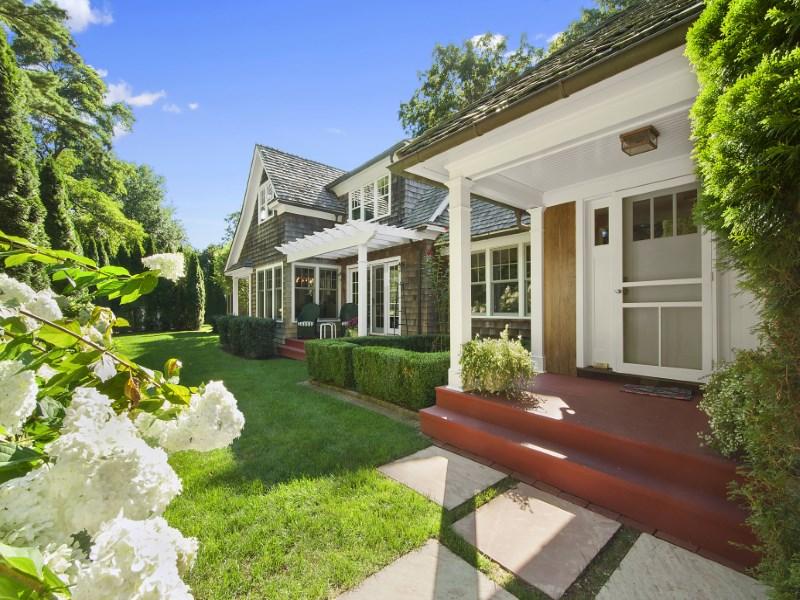 단독 가정 주택 용 매매 에 Simply Sophisticated Bridgehampton South Bridgehampton, 뉴욕 11932 미국