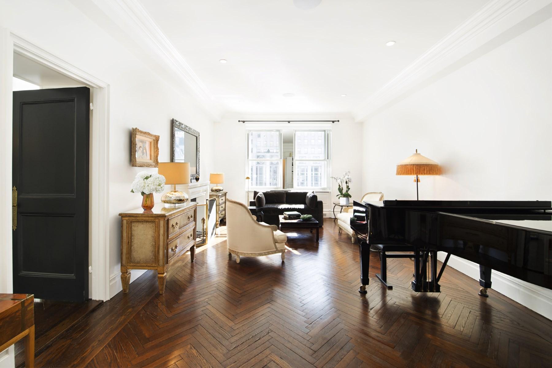 Coopérative pour l Vente à Sherry Netherland Perfection 781 Fifth Avenue Apt 409 Upper East Side, New York, New York, 10022 États-Unis