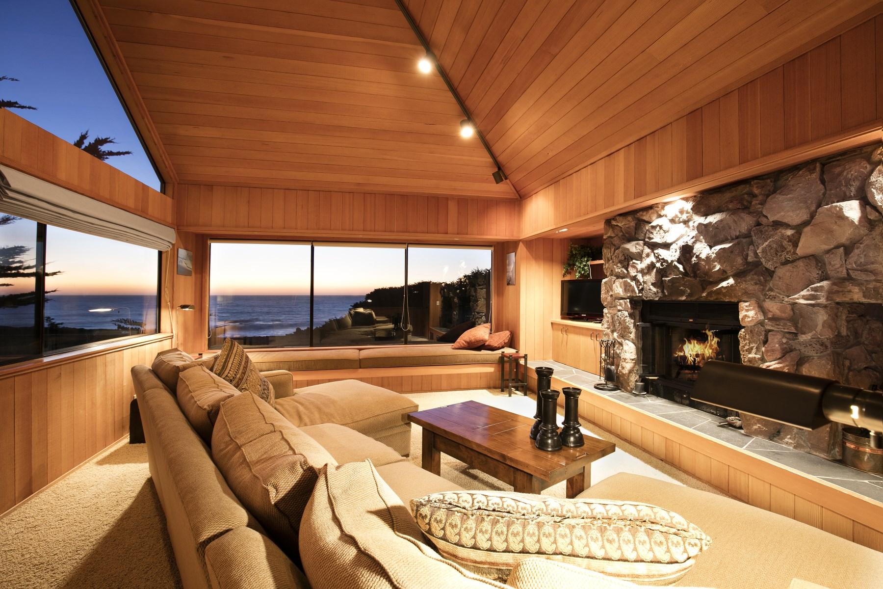 Частный односемейный дом для того Продажа на Classic Sea Ranch Oceanfront Home 456 Sea Stack The Sea Ranch, Калифорния 95497 Соединенные Штаты