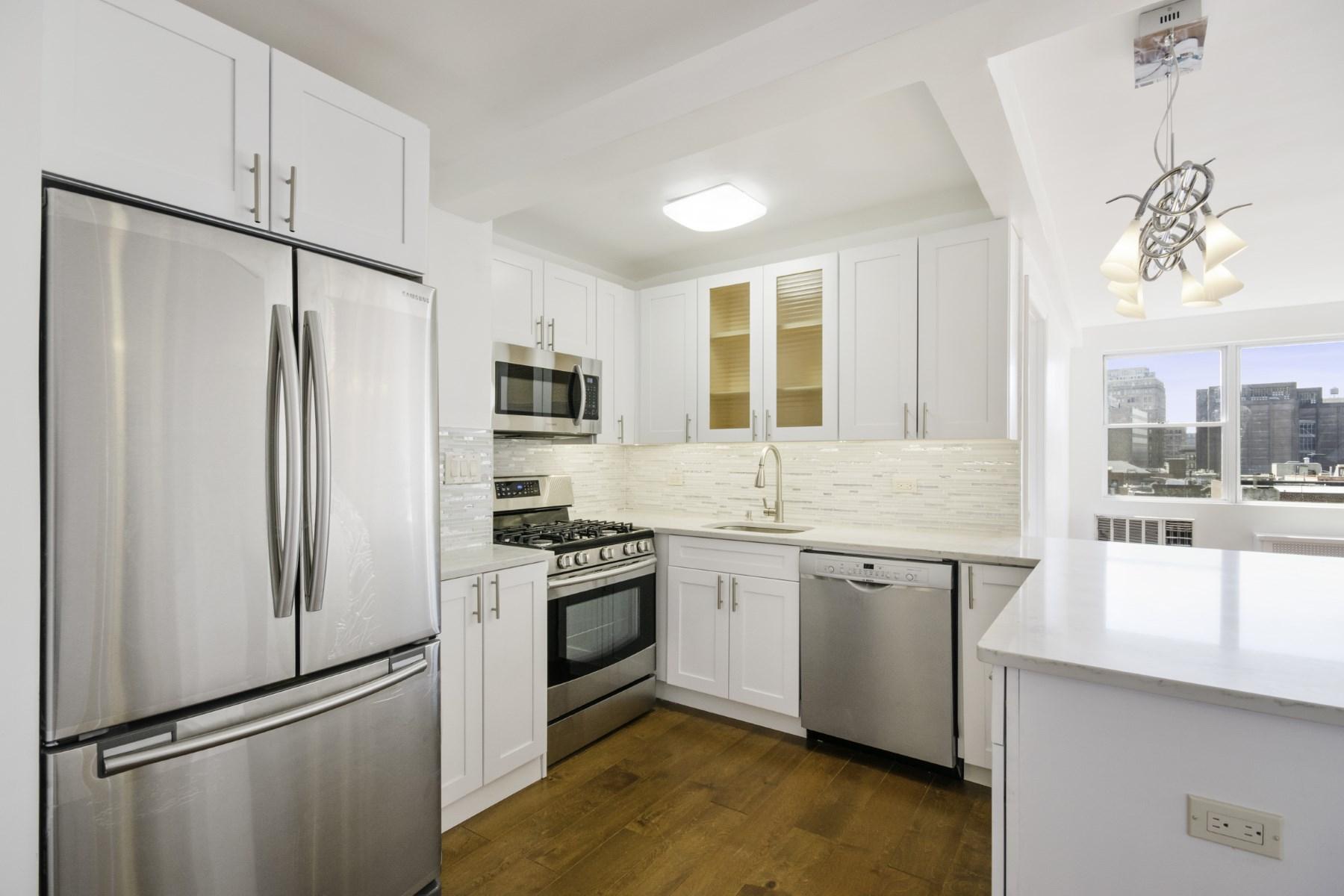 Condominium for Sale at 50 Bayard Street, Apt. 8E 50 Bayard Street Apt 8E Chinatown, New York, New York, 10013 United States