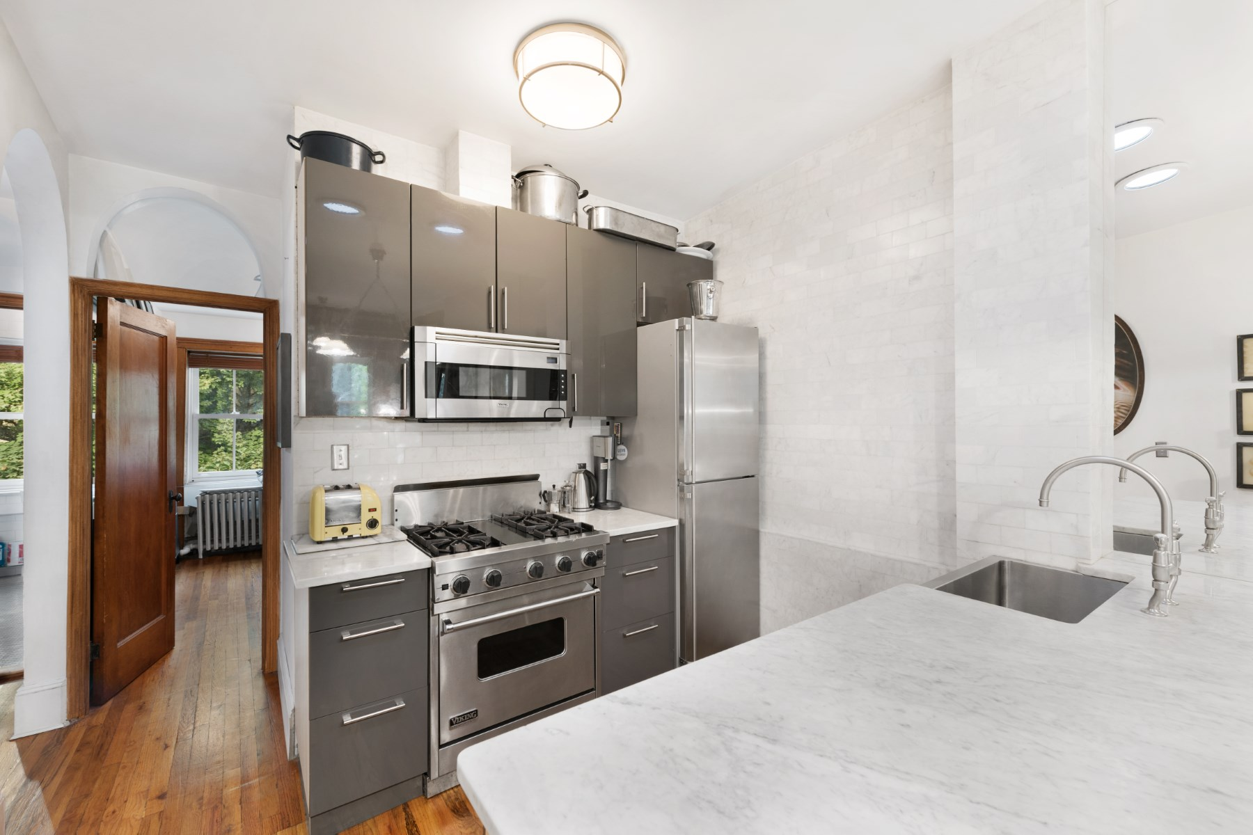 Property Of 247 East 49th Street, Apt. 4