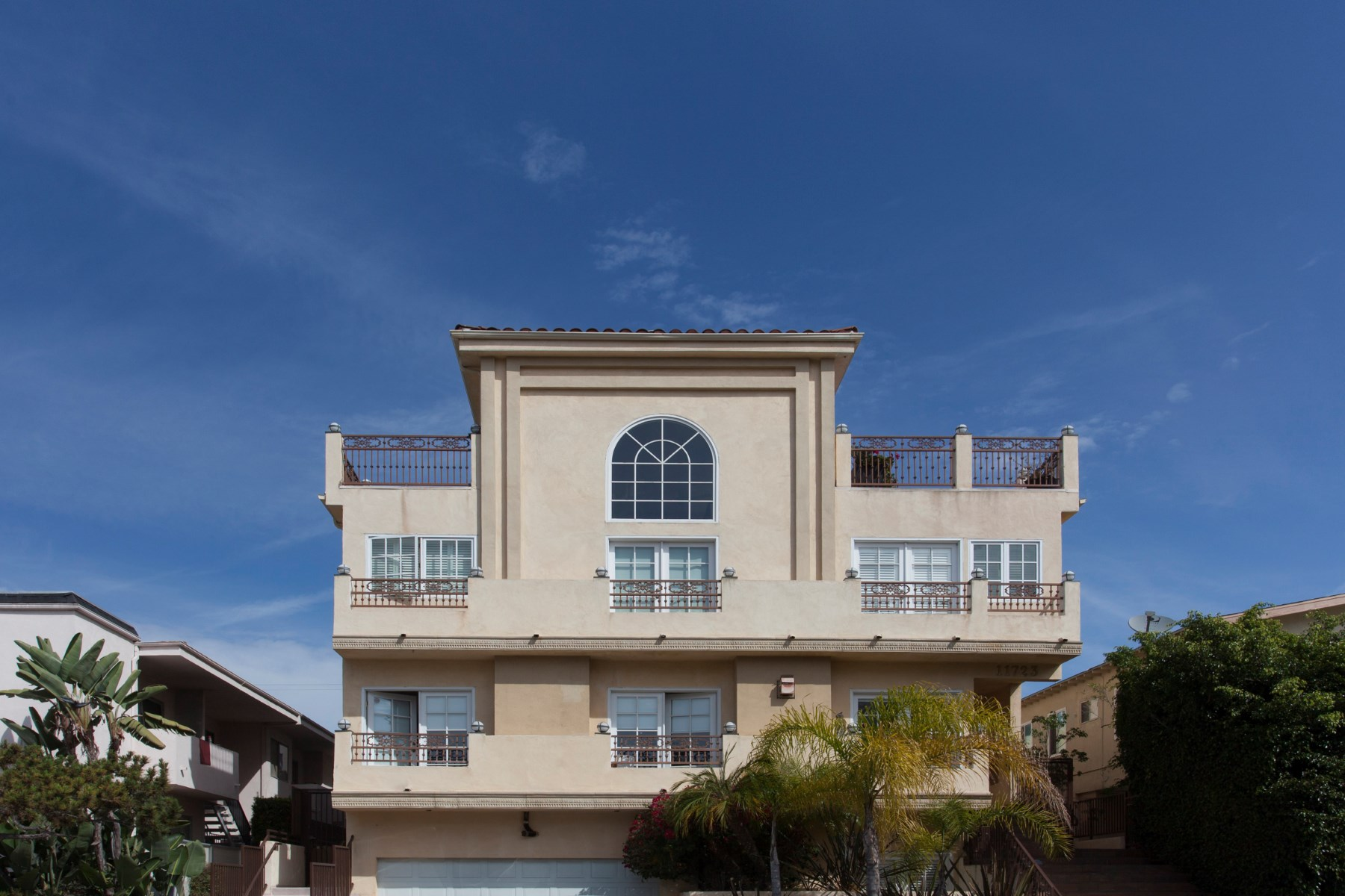 """Townhouse for Sale at Wander Brentwood's """"Village"""" Lifestyle 11723 Mayfield Ave #3 Brentwood, Los Angeles, California 90049 United States"""