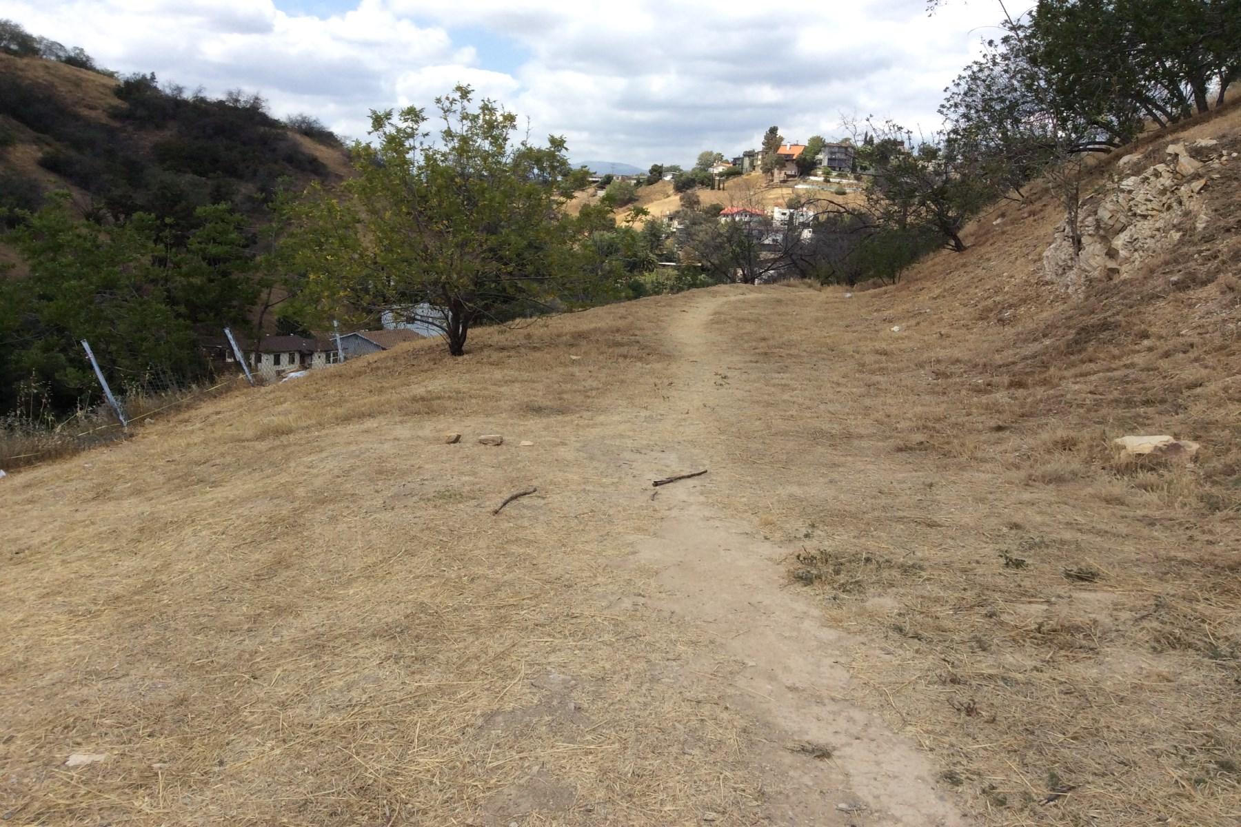 Terreno para Venda às Build Dream Home with Dazzling Views 0 Ganymede Drive Mount Washington, Los Angeles, Califórnia, 90065 Estados Unidos