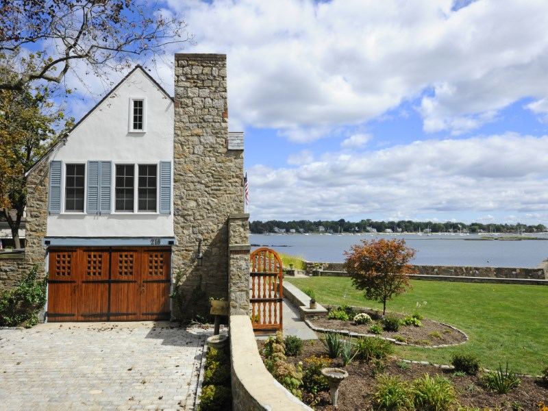 Property Of 1 Acre Waterfront
