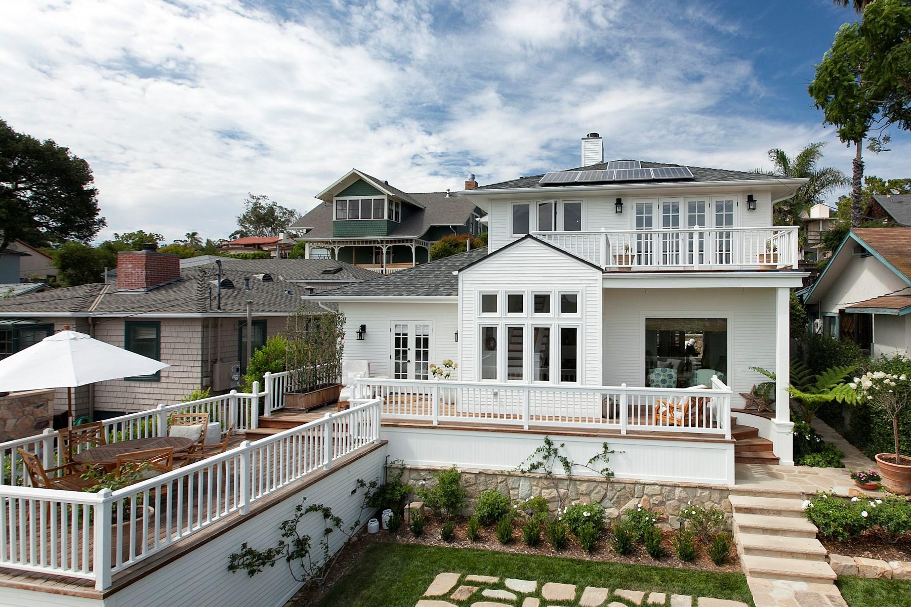 Maison unifamiliale pour l Vente à Impeccably Remodeled Ocean View Cottage 1742 Prospect Avenue Riviera, Santa Barbara, Californie 93103 États-Unis