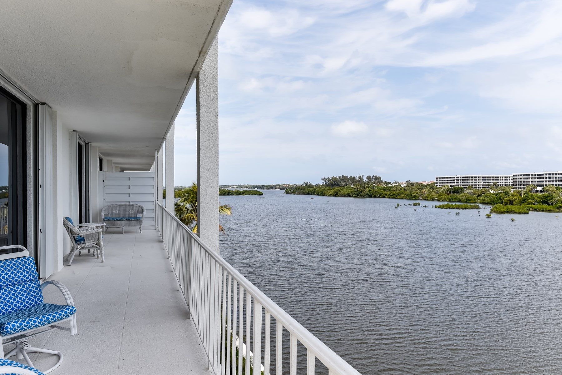 Eigentumswohnung für Verkauf beim Tower Vallencay of Ibis Isle 2155 Ibis Isle Rd Apt 17 Palm Beach, Florida 33480 Vereinigte Staaten