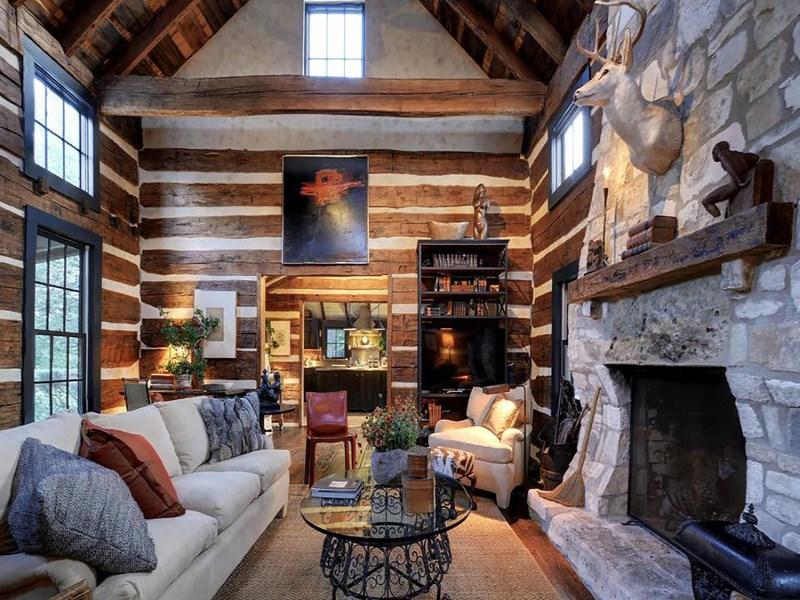 Nhà ở một gia đình vì Bán tại 2930 Travis Lakeside Spicewood, Texas 78669 Hoa Kỳ