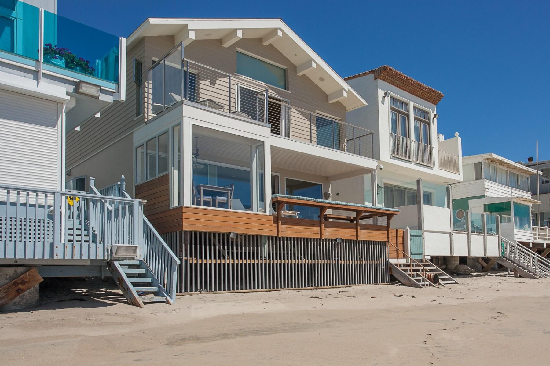 단독 가정 주택 용 매매 에 Very Special Malibu Beach House 21550 Pacific Coast Highway Malibu, 캘리포니아, 90265 미국
