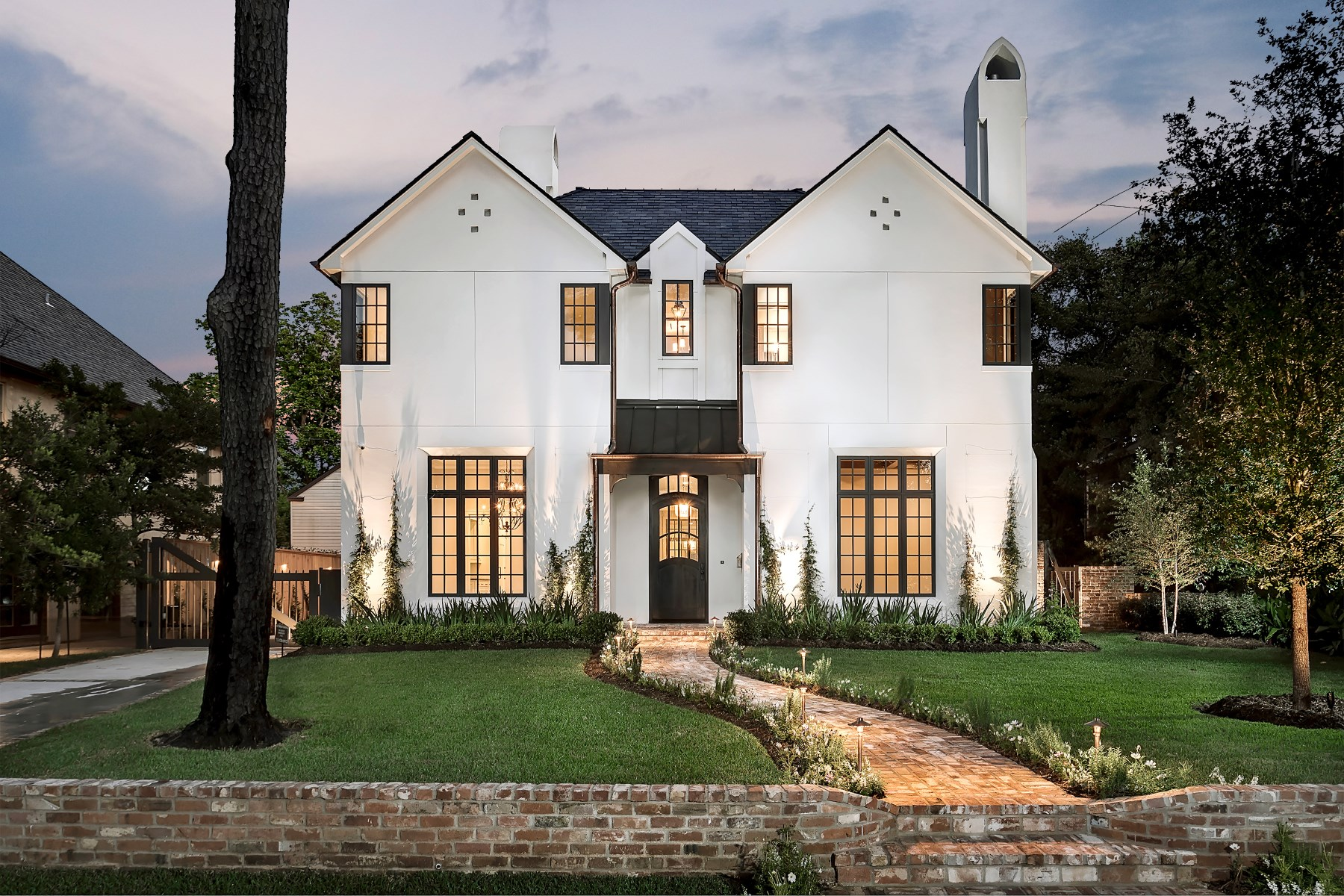 Casa para uma família para Venda às 3725 Del Monte Drive Houston, Texas, 77019 Estados Unidos