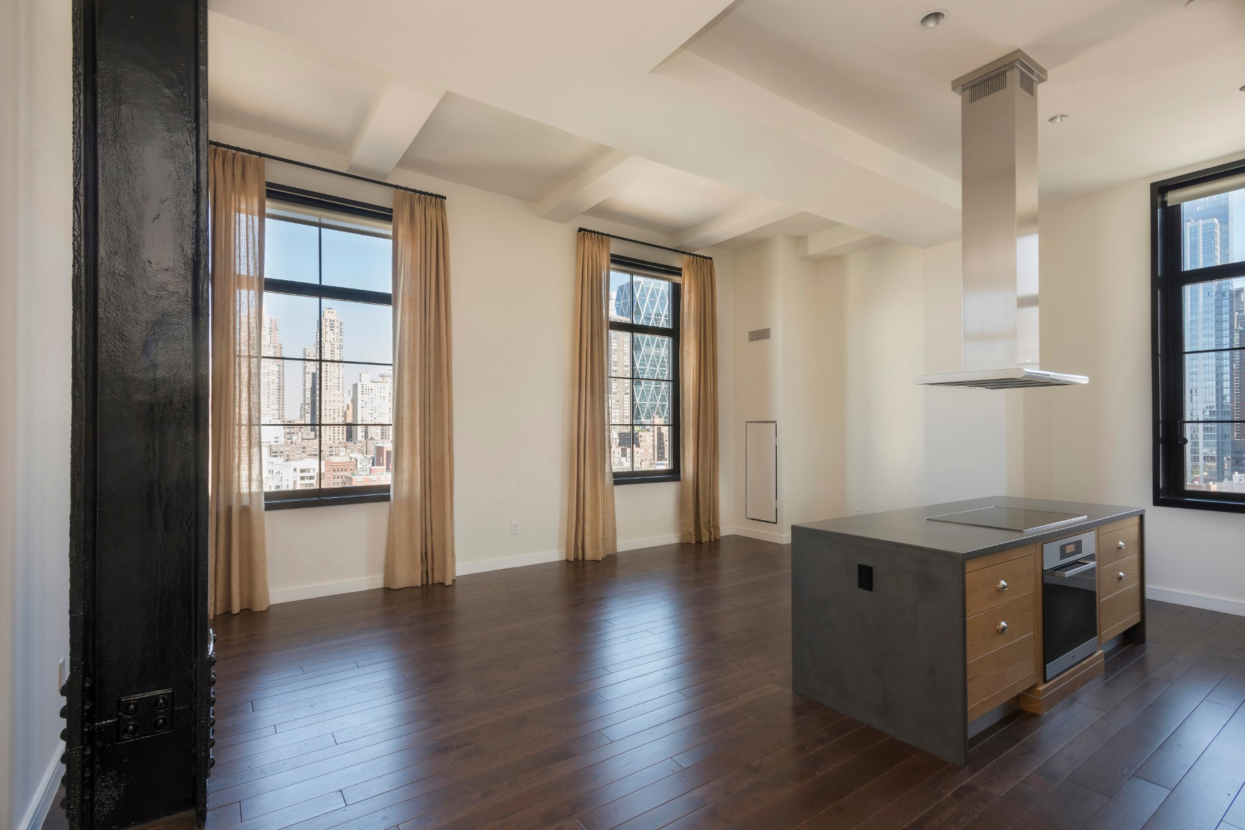 Condominio por un Venta en 425 West 50th Street, Apt 11F 425 West 50th Street Apt 11F New York, Nueva York, 10019 Estados Unidos