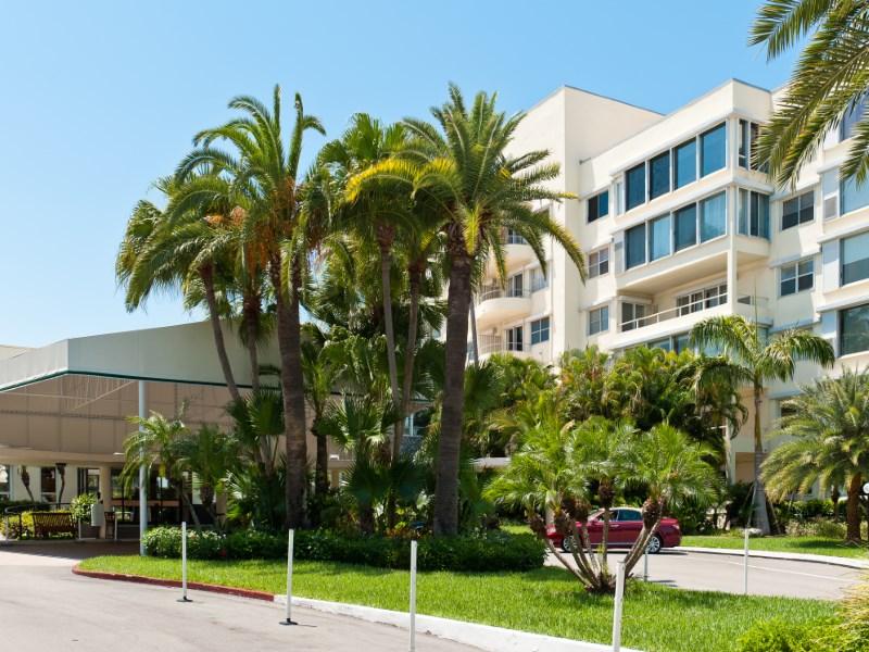 Condomínio para Venda às Palm Beach Towers 44 Cocoanut Row # 304b Palm Beach, Florida 33480 Estados Unidos