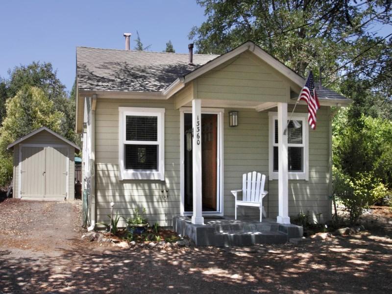 Single Family Home for Sale at Glen Ellen Cottage 13360 Arnold Dr Glen Ellen, California 95442 United States