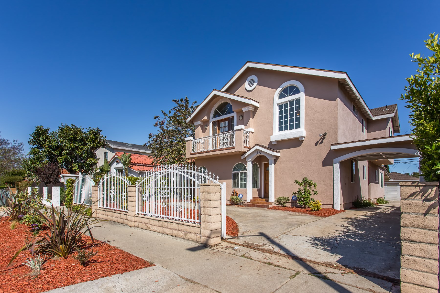獨棟家庭住宅 為 出售 在 Spacious Reynier Village Home 2832 Reynier Avenue Beverlywood, Los Angeles, 加利福尼亞州, 90034 美國