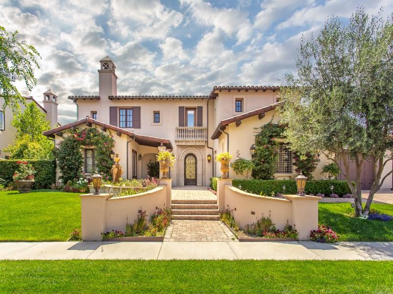 Single Family Home for Sale at Magnificent Mediterranean Estate 3805 Prado De Las Uvas Calabasas, California 91302 United States