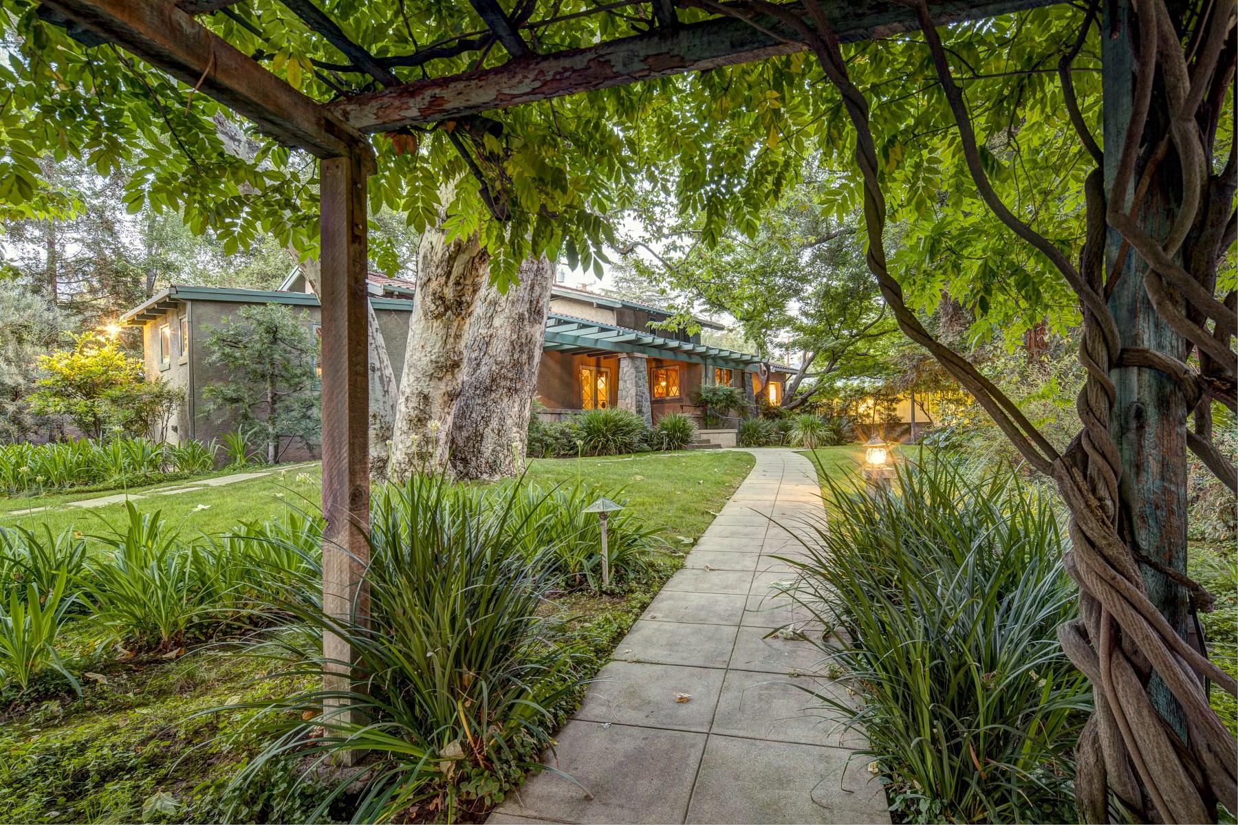 Vivienda unifamiliar por un Venta en Historic1912 art studio 2764 Scripps Place Altadena, California, 91001 Estados Unidos