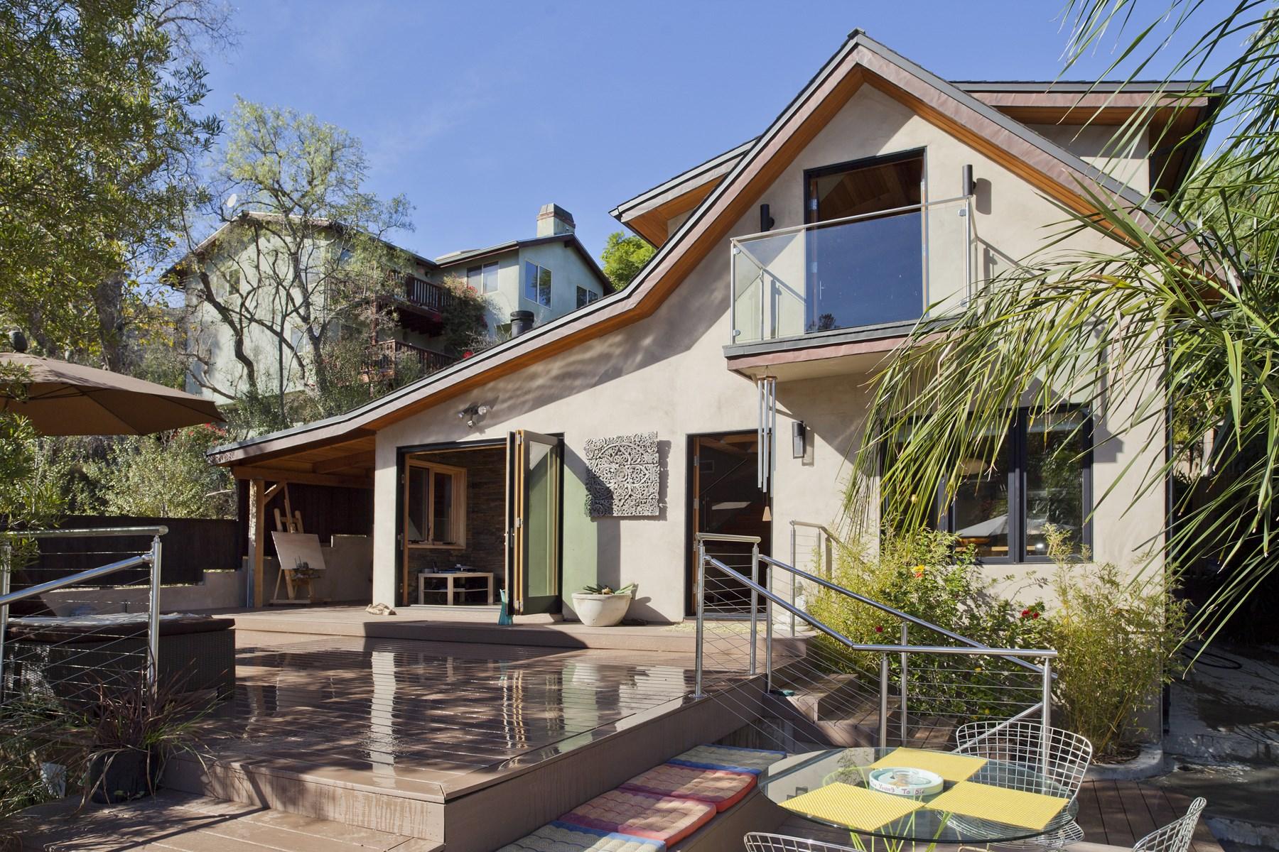Maison unifamiliale pour l Vente à Beautiful Topanga Architectural Home 1421 Fernwood Pacific Drive Topanga, Californie, 90290 États-Unis