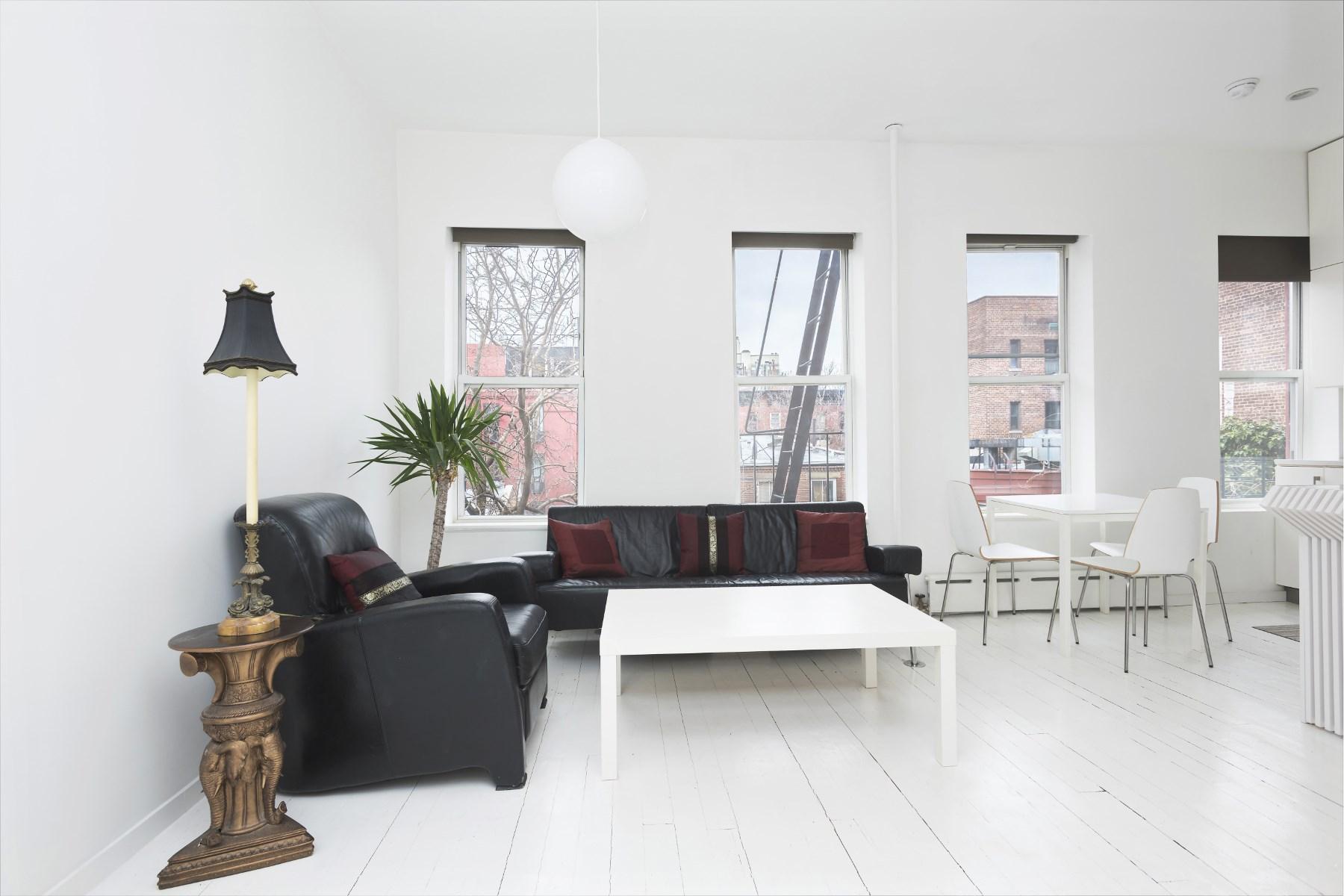 Кооперативная квартира для того Продажа на 327 West 11th Street 327 West 11th Street Apt 3r New York, Нью-Йорк 10014 Соединенные Штаты