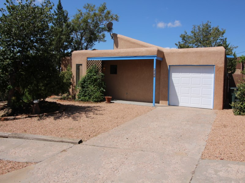Single Family Home for Sale at 151 Calle Don Jose Santa Fe City Southwest, Santa Fe, New Mexico 87501 United States