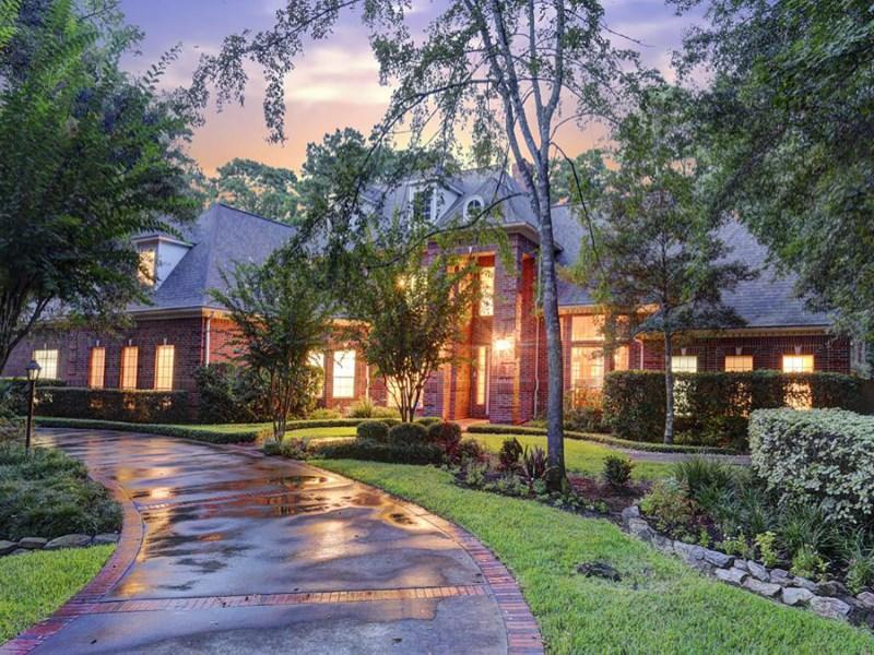 Casa Unifamiliar por un Venta en 14 Coldsprings Court The Woodlands, Texas 77380 Estados Unidos