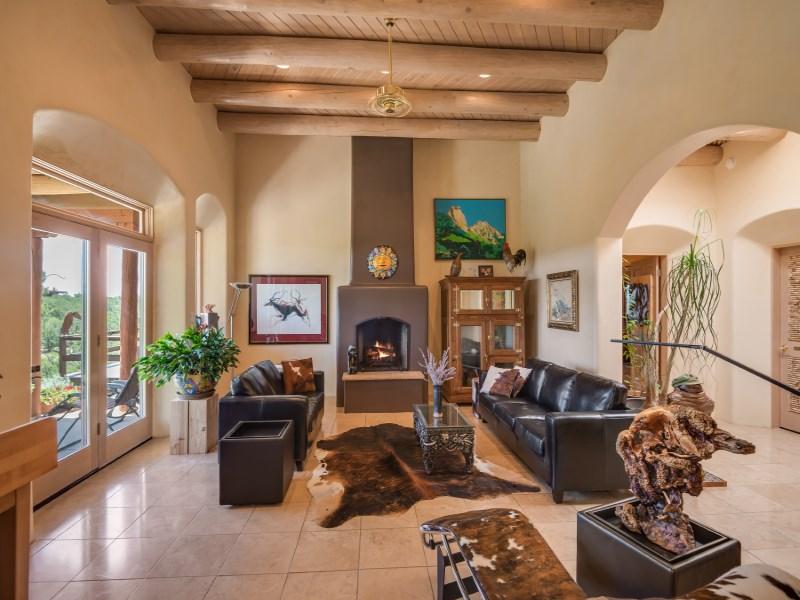 Casa para uma família para Venda às 124 Principe De Paz Santa Fe, Novo México 87505 Estados Unidos