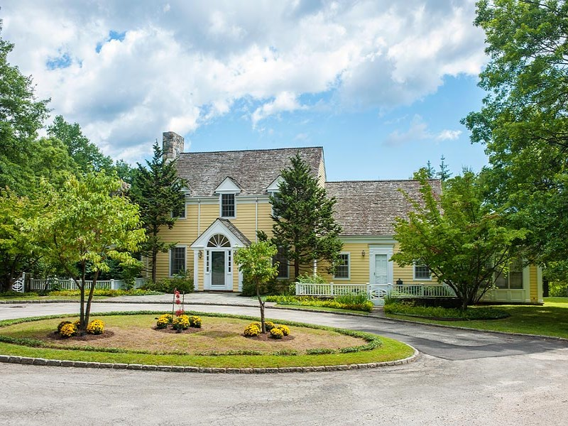 Đất đai vì Bán tại 27± acre Round Hill Lakefront Estate 21 Topping Road And 22 Close Road Greenwich, Connecticut 06831 Hoa Kỳ