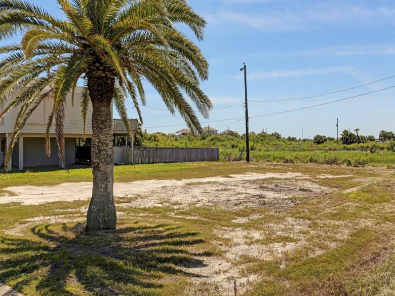 Land for Sale at Lot 1 Marina Boulevard Galveston, Texas 77554 United States
