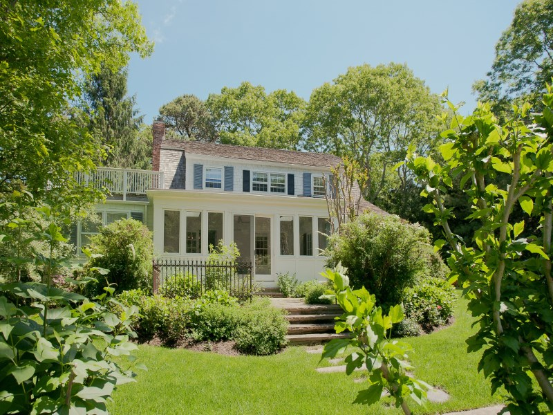 Single Family Home for Sale at Elegant,Charming Traditional Easthampton East Hampton, New York 11937 United States