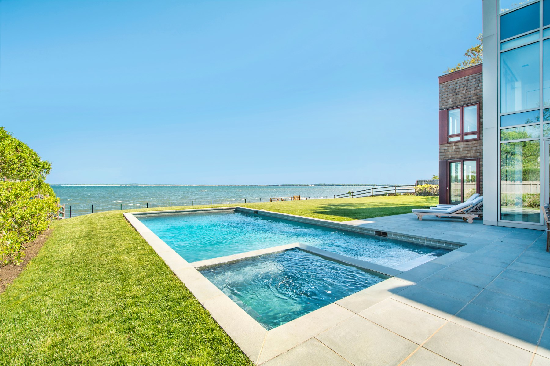 Villa per Vendita alle ore Sag Harbor Spectacular Waterfront 43 Noyac Bay Avenue Sag Harbor, New York 11963 Stati Uniti