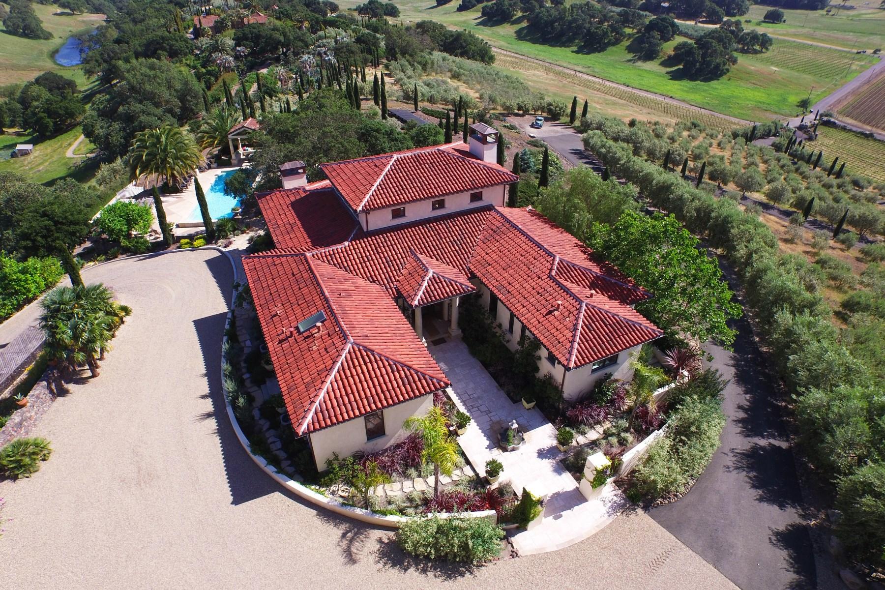 独户住宅 为 销售 在 Cypress Hill Farm 5180 Lovall Valley Loop Rd Sonoma, 加利福尼亚州 95476 美国