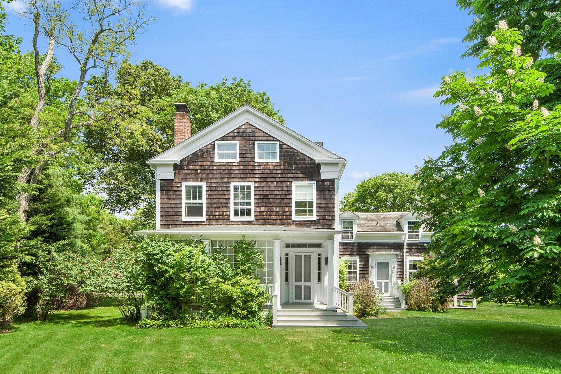 단독 가정 주택 용 매매 에 Meticulously Maintained Traditional Bridgehampton, 뉴욕 11932 미국