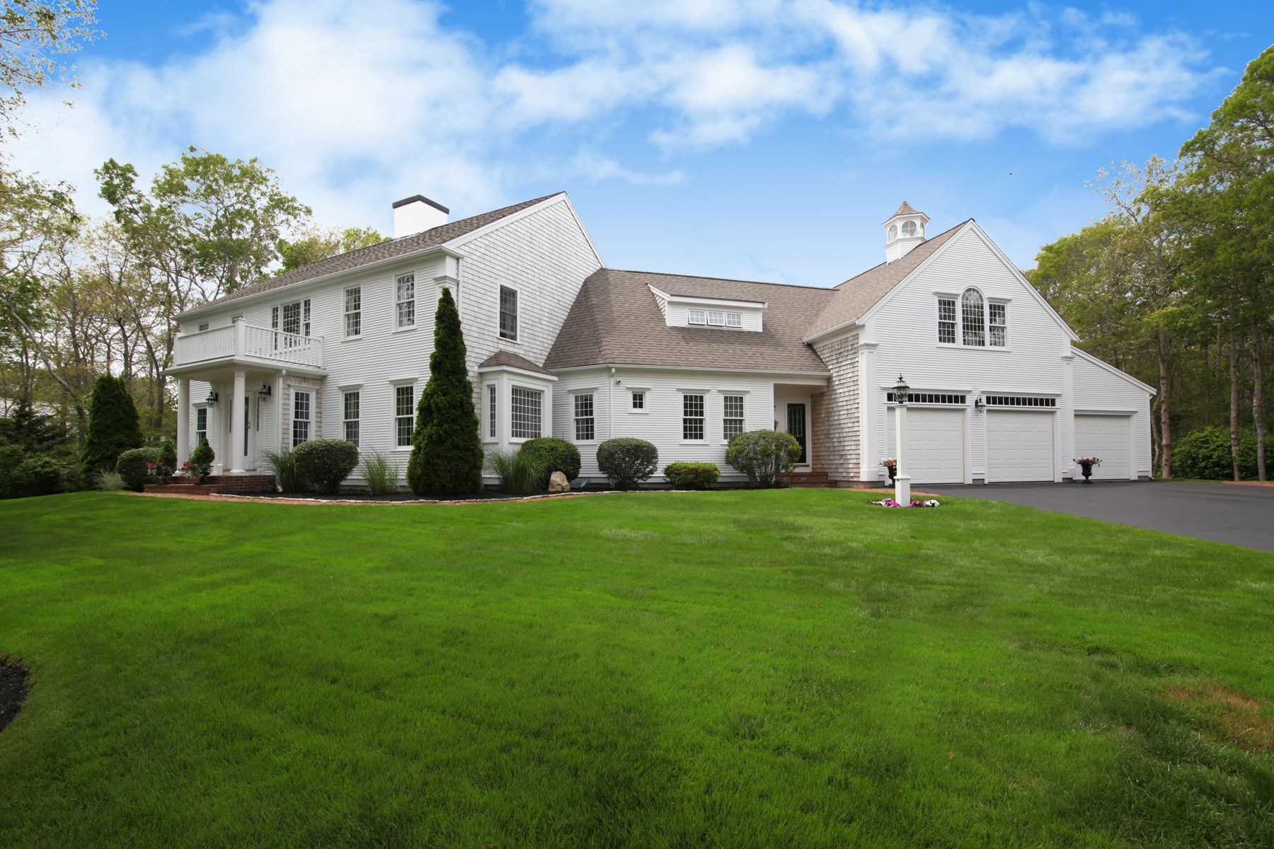 Single Family Home for Sale at Salt Water Pool with Private Beach 13 Lost Meadows East Sandwich, Massachusetts, 02537 United States