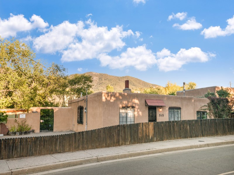 Single Family Home for Sale at 515 & 515 1/2 Camino Cabra 515 & 515 1/2 Camino Cabra Santa Fe, New Mexico 87505 United States