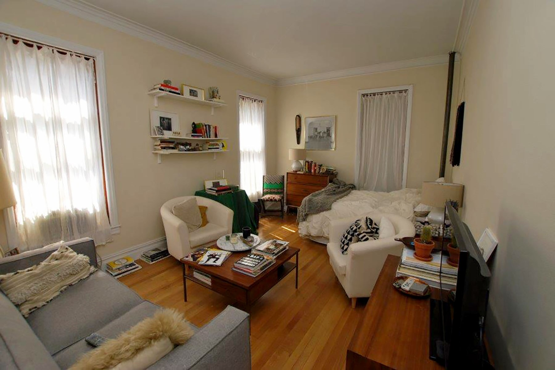 Apartment for Rent at 100 W 73rd Street Apt. 1C 100 West 73rd Street Apt 1C Upper West Side, New York, New York, 10023 United States